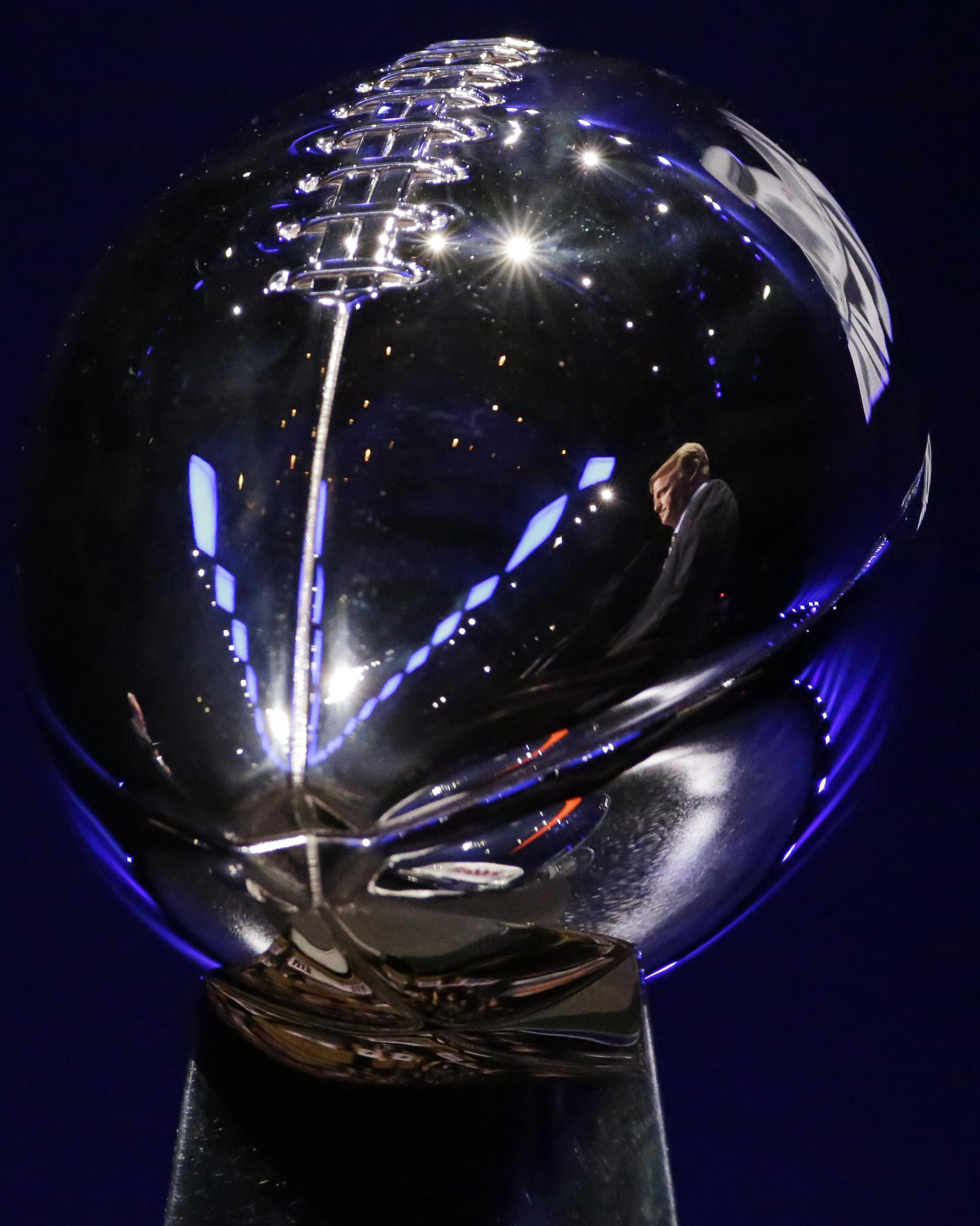 Vince Lombardi Trophy 2014