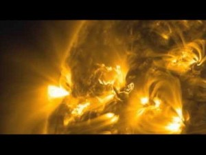 "NASA Releases Images of ""graceful"" Solar Flare"