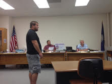 Bret Engel before Pottawatomie County Commission (photos by Cathy Dawes)