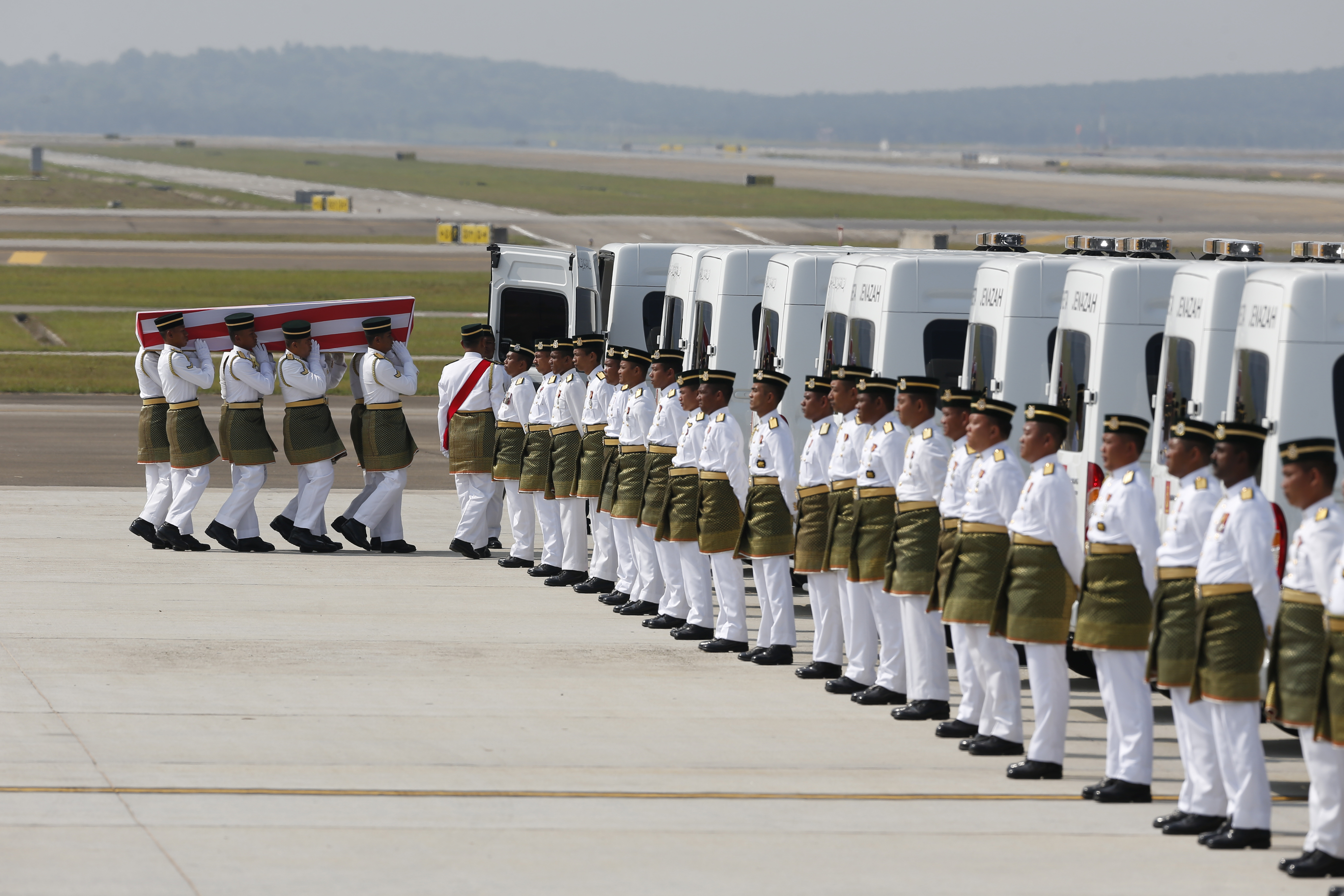 First MH 17 Bodies returned to Malaysia