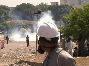 Protesters Clash With Pakistan Police