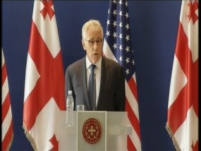 Hagel Defends Latest US Air Strikes in Iraq
