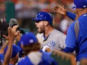 Moose lifts Royals to ALDS opening win