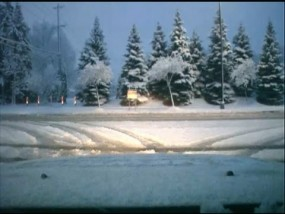 Storm dumps band of snow Across Mid-America