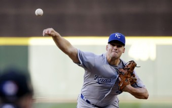 Kansas City Royals starting pitcher Joe Blanton in action against the Seattle Mariners in the first inning of a baseball game Monday, June 22, 2015, in Seattle. (AP Photo/Elaine Thompson)